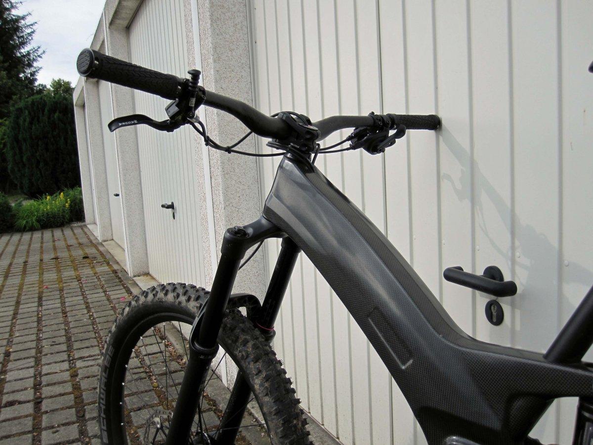 44_fertiges_Carbon-Fully.JPG