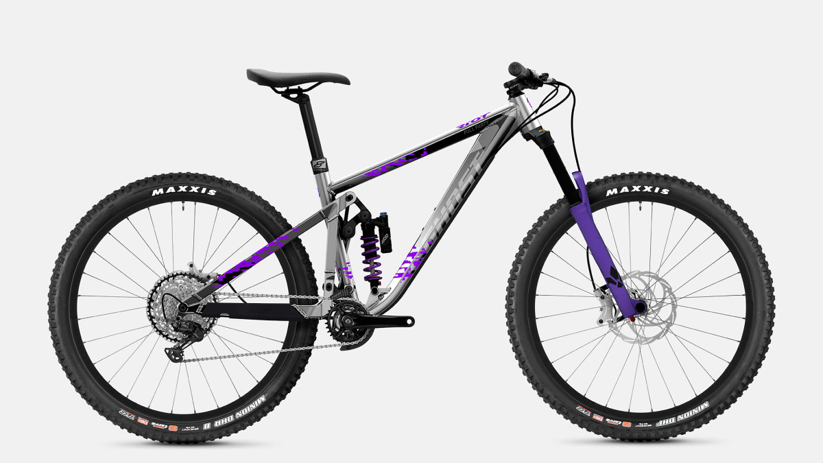 ghost-ghost-riot-ENDURO-full-party-2021.jpg