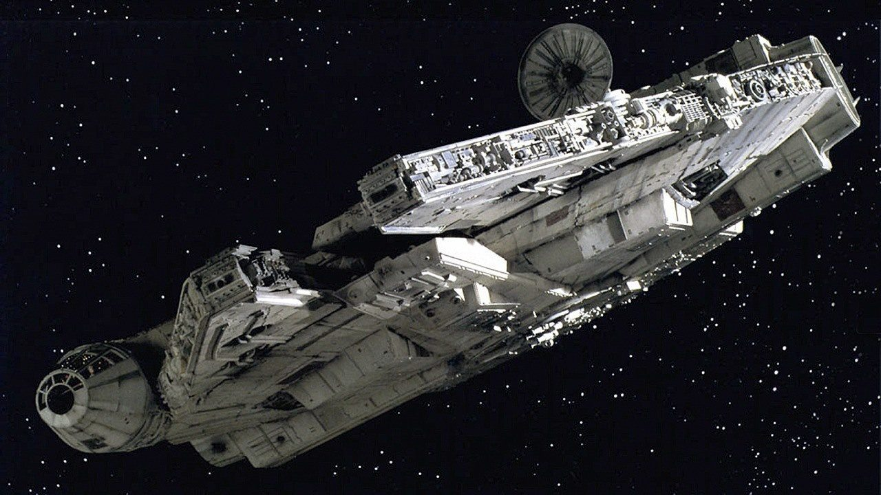 gifted-designer-builds-millennium-falcon-bed-for-h_z1xs.h720.jpg