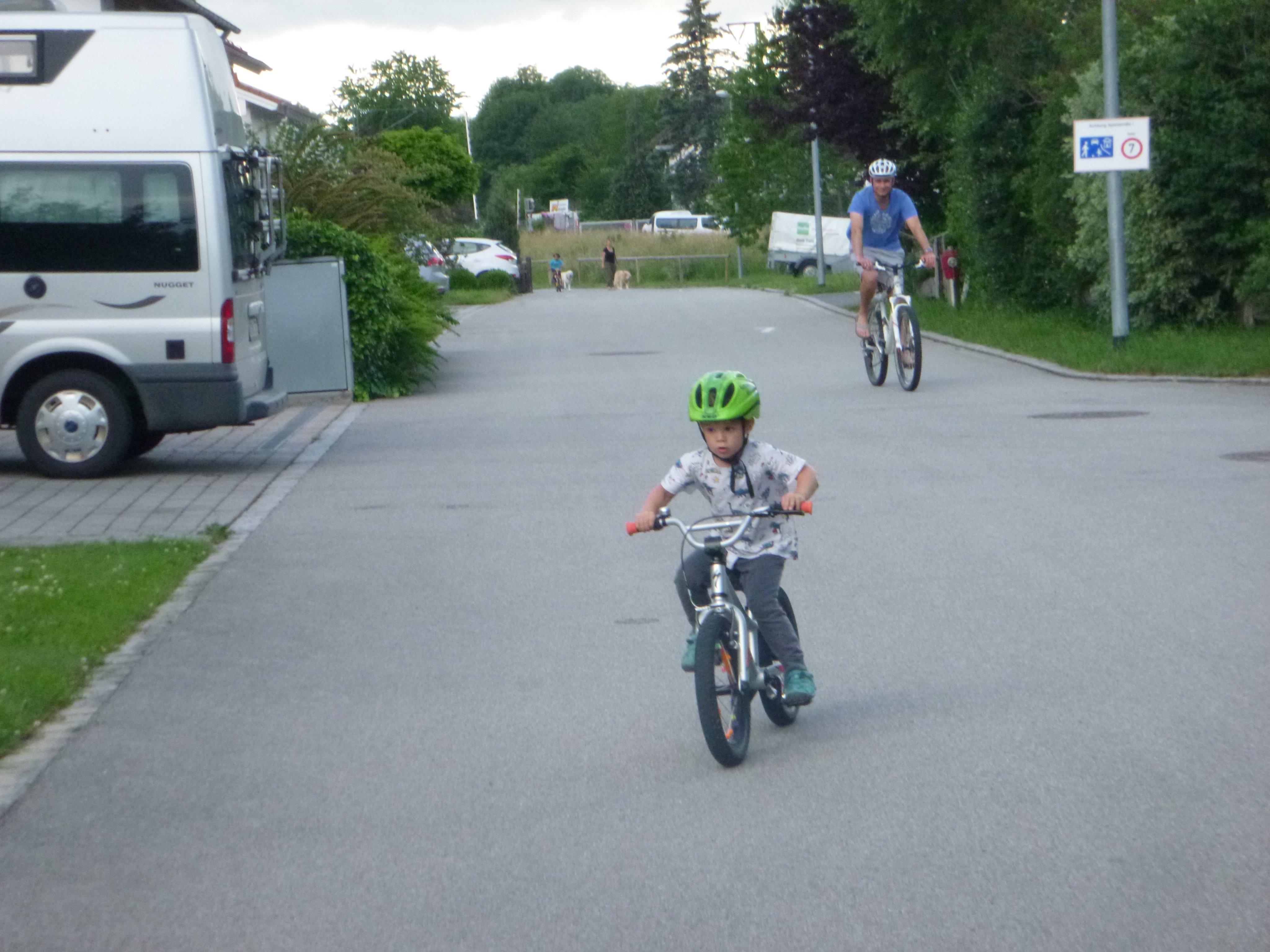Hannes on Bike 021.JPG