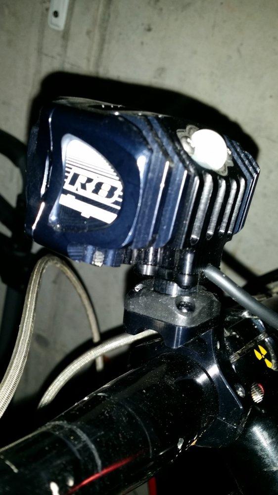Hope Vision R8-Headlight (2).jpg