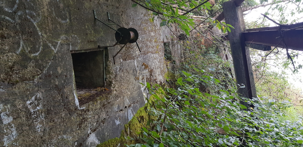 Lost Places am Madbachsperrwerk.jpg