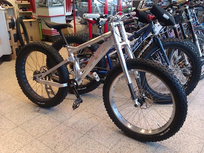 s780_nicolai_goes_fat_ultimate_winter_action_bike.jpg