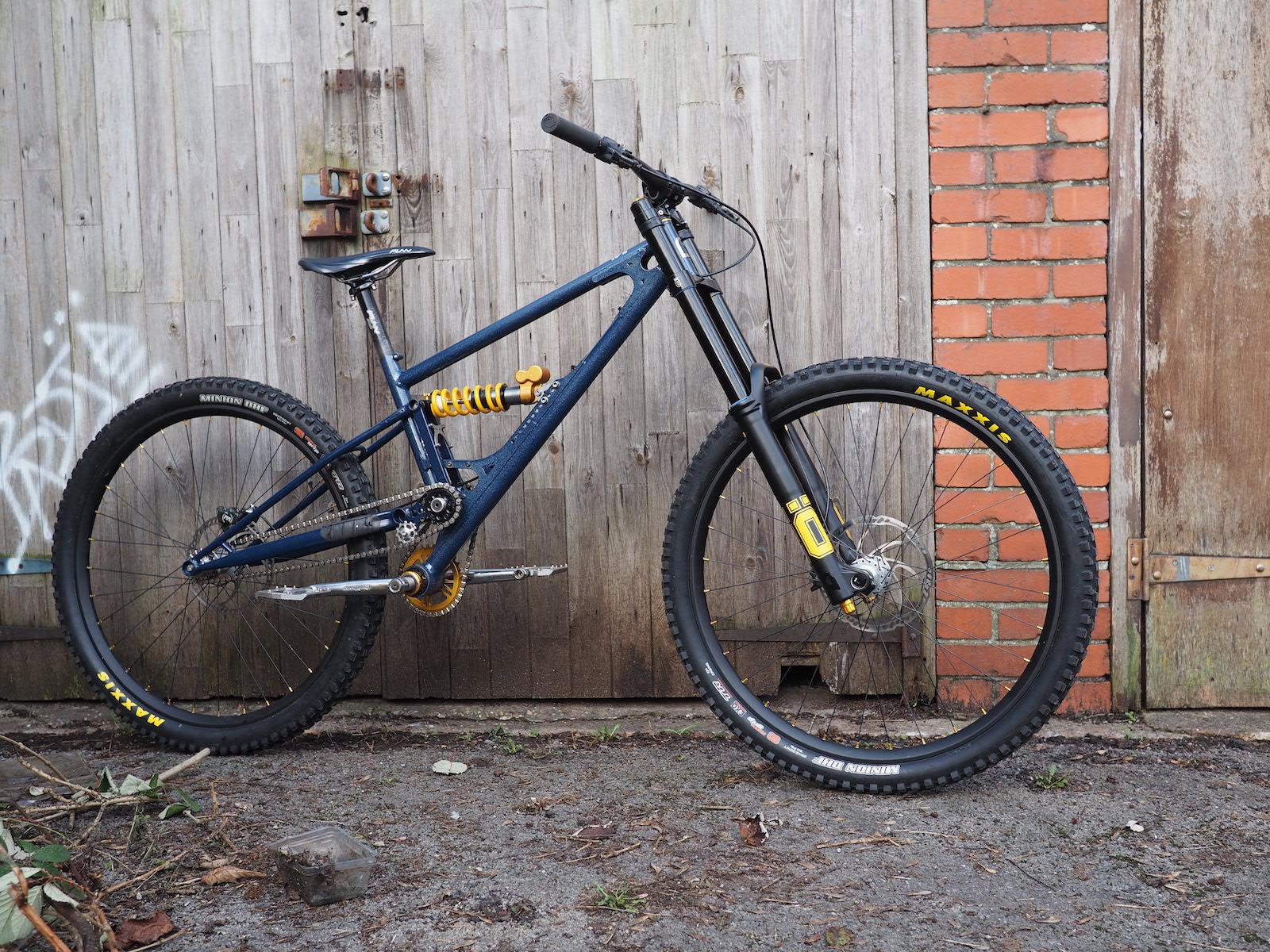 Starling-Cycles-Sturn-DH-Bike-Complete_2890.jpg