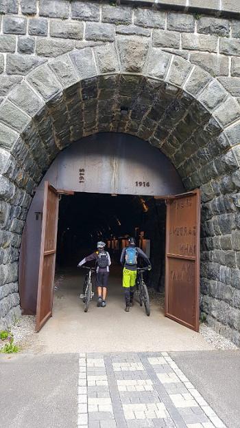 Tunnel 350.jpg