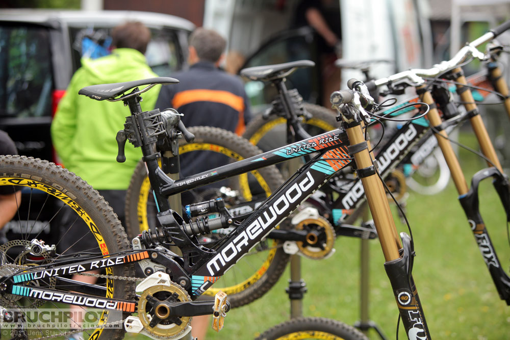 JS_3166_morewood_teambikes