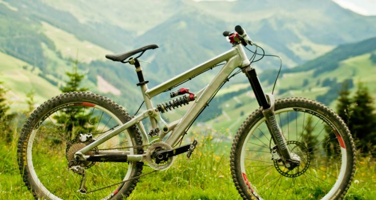 Spyshot: Neue Specialized All Mountain Schuhe 2015 | ENDURO