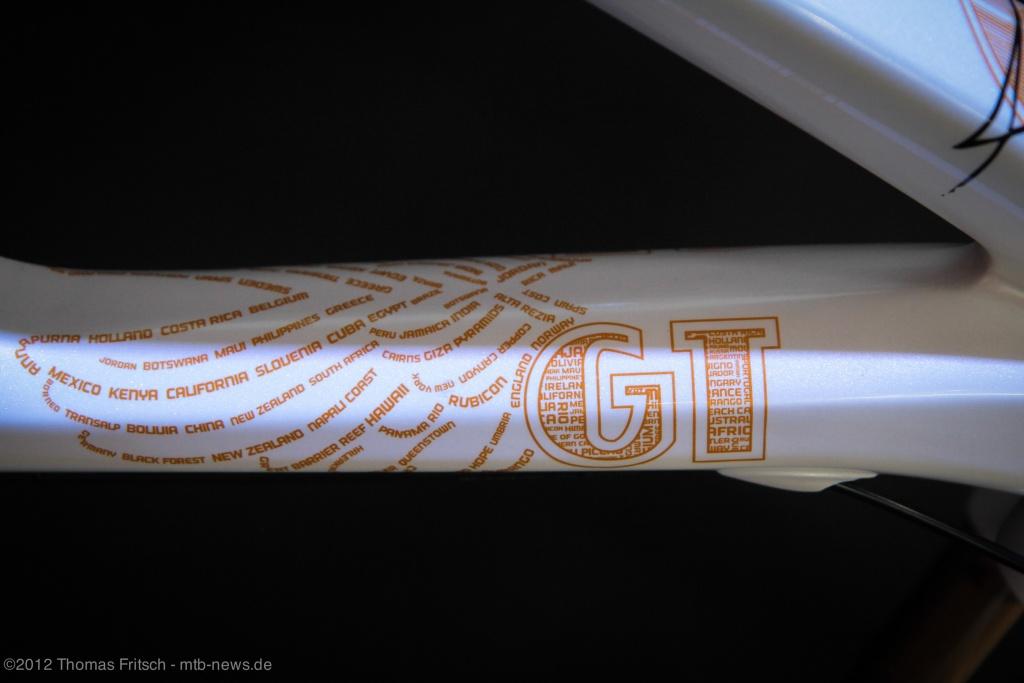 large_GT-4