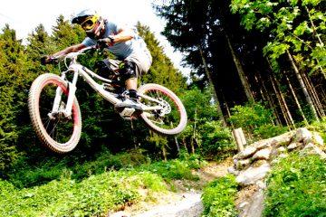 Aua: Sprung ohne Landung – ins Flache. Absolutes No-Go für Bikeparks - Foto: Franz Faltermaier