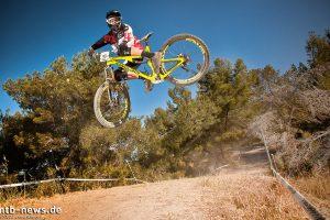 large_Foto_Jens_Staudt_SeaOtter_Downhill_Training_-_3126_Josh_Briceland_Whip_Bronson