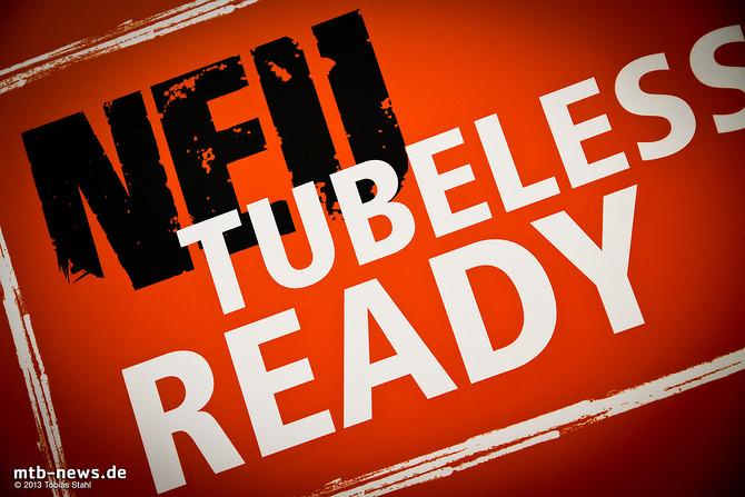 Besser spät als nie: Maxxis gibt Gas bei den Tubeless Ready Reifen und bietet für 2014 alle wichtigen Profile auch in Tubless Ready Versionen an.