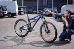 Kann sich auch nach Jahren noch nicht dran satt sehen: Stefan von Tri-Cycles mit dem Mojo