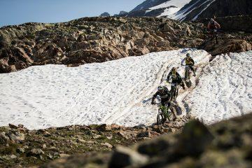 High-Speed-Train durch's Schneefeld: Die Mega Avalanche ist ein Rennen, das man schon an einem einzigen Bild erkennen kann.