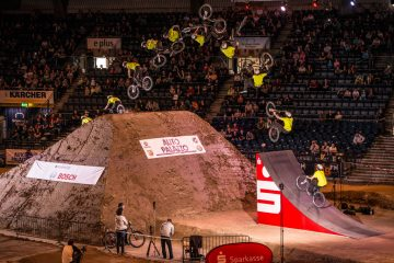 large_HallofDirt_2014_action_Torquato_Testa_by_Christoph_Laue_