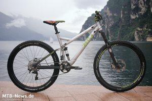 Johannes Fischbach war am Gardasee mit dem Muster eines zukünftigen Bikes unterwegs