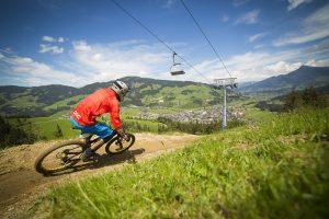 Die Österreichische Downhill Meisterschaft ist erstmalig zu Gast in Kirchberg / Tirol.