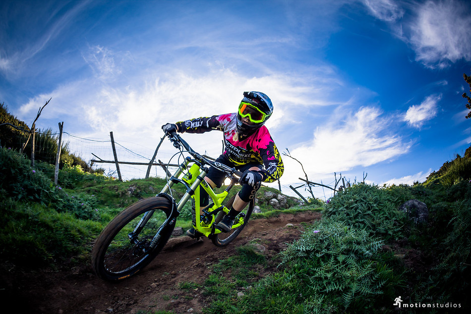 """Beyond"": Stefanie Klostermeier unterwegs im Trail-Paradies auf Madeira [Video + Fotostory] - MTB"