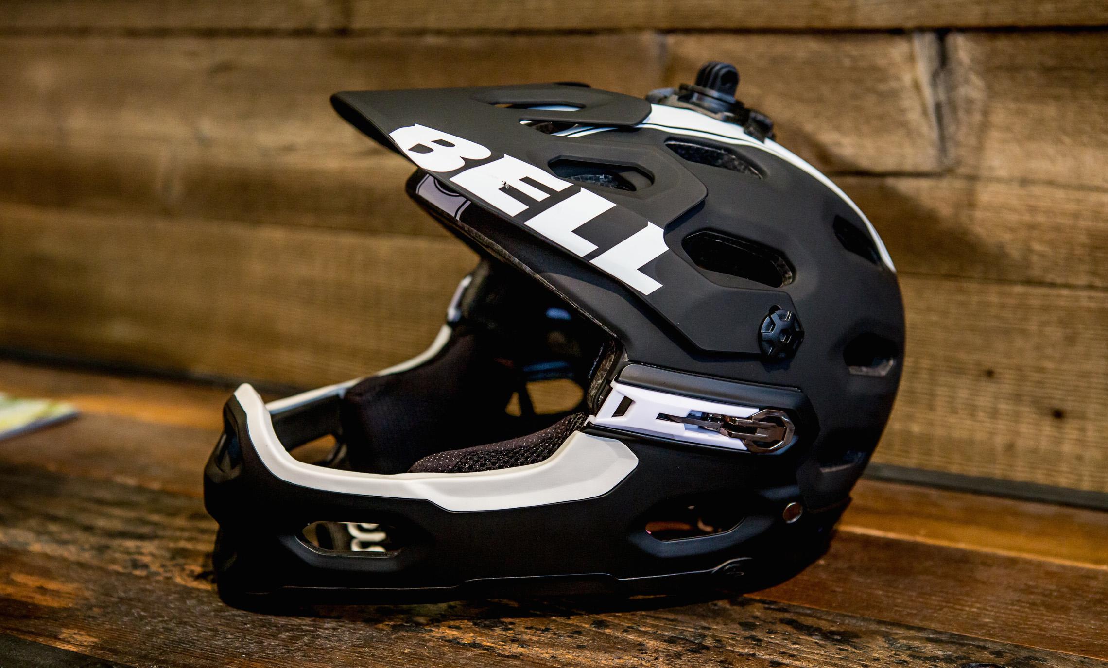 bell super 2r helm mit abnehmbarem kinnb gel und mips. Black Bedroom Furniture Sets. Home Design Ideas