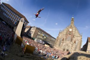 Sam Pilgrim beim Backflip Tuck No Hander