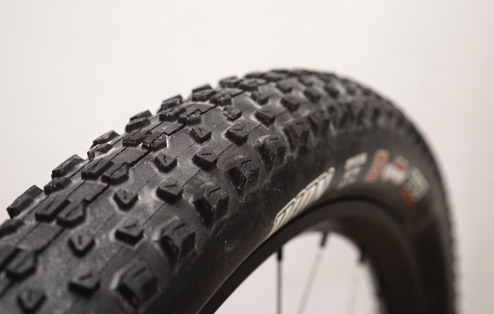 Mountainbike reifen glatt