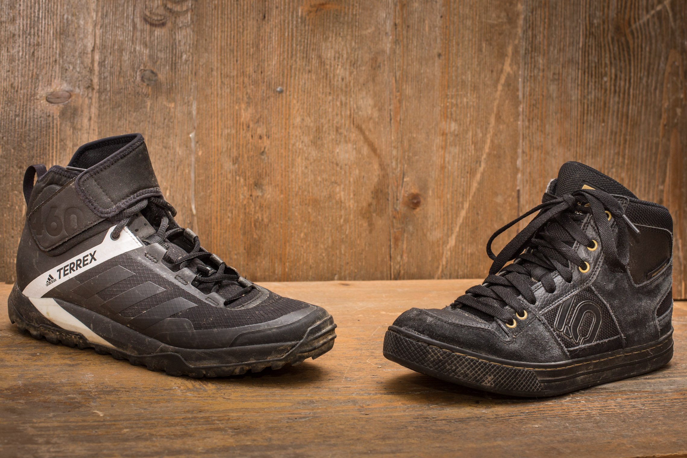 7970acd55259 Hohe Bikeschuhe im Test  Five Ten Freerider vs. Adidas Terrex Trailcross