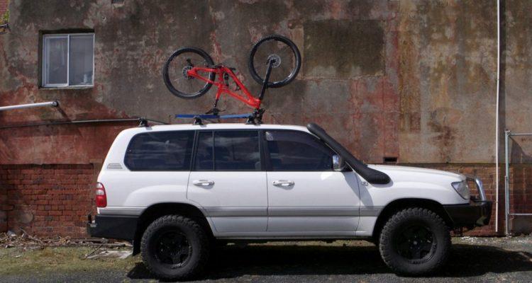 upside racks fahrrad kopf ber aufs autodach mtb. Black Bedroom Furniture Sets. Home Design Ideas