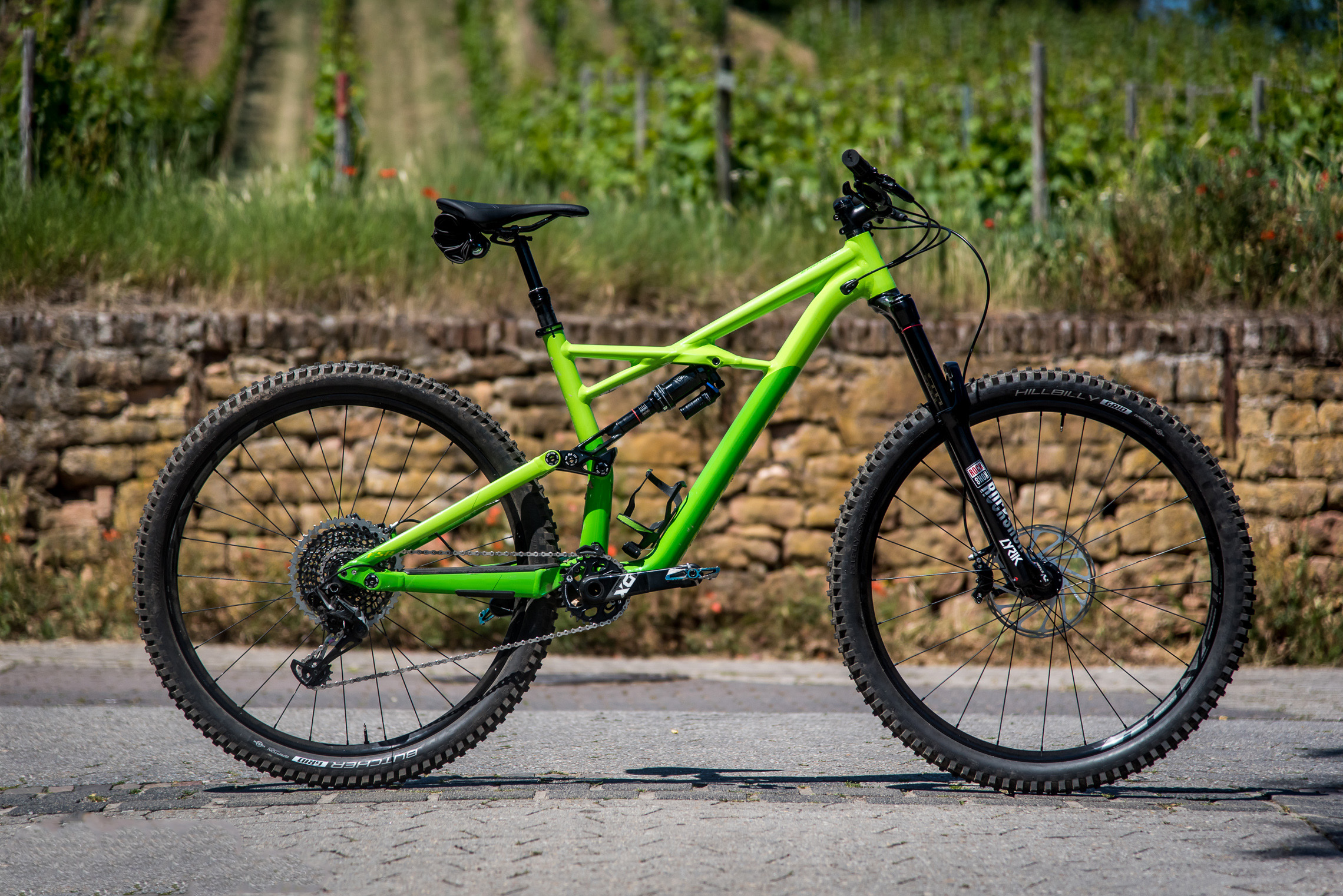 specialized enduro 29 6fattie im test die trans provence. Black Bedroom Furniture Sets. Home Design Ideas