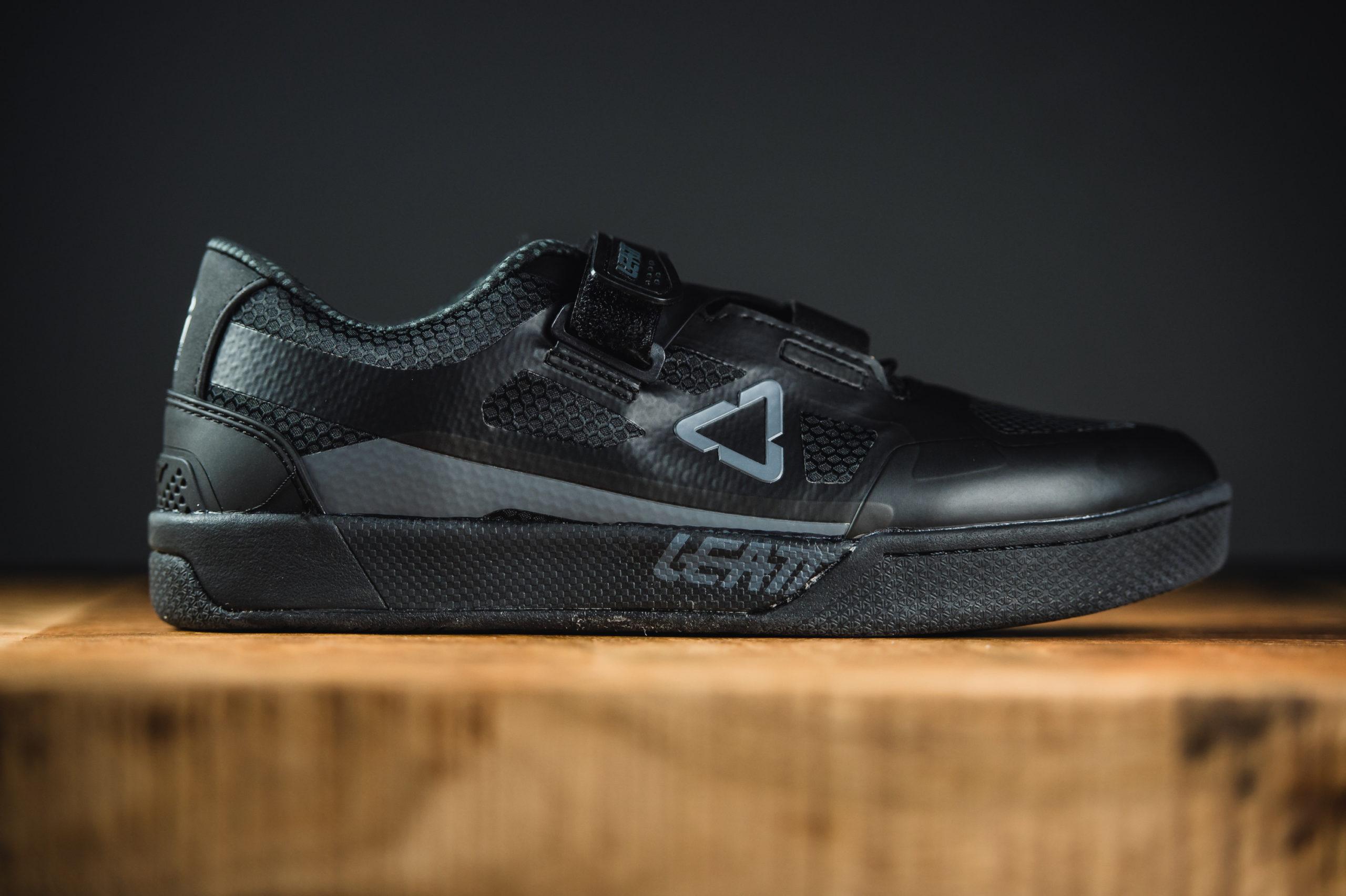Vier neue Klick und Flatpedal Schuhe: Leatt betritt die MTB
