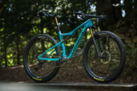 Orbea Oiz OMX im Test: Flinkes Race-Bike mit Allround-Charakter